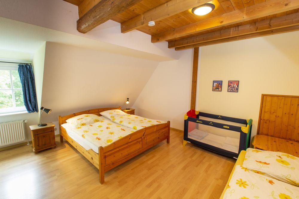 Dies ist das Elternschlafzimmer der Ferienwohnung Ente
